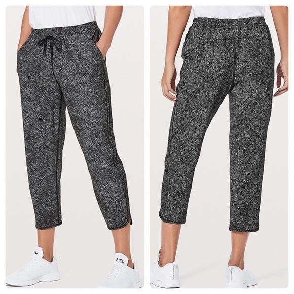 Lululemon keep it classic pants